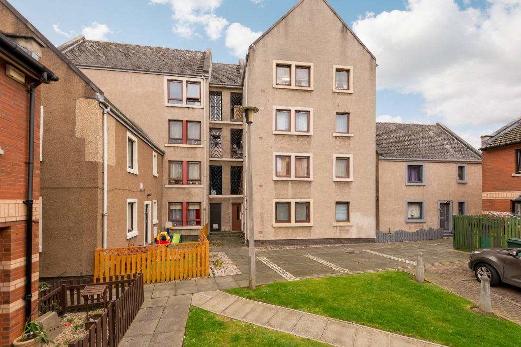 3 Flat 1 Hopefield Terrace Leith Edinburgh EH6 4AA