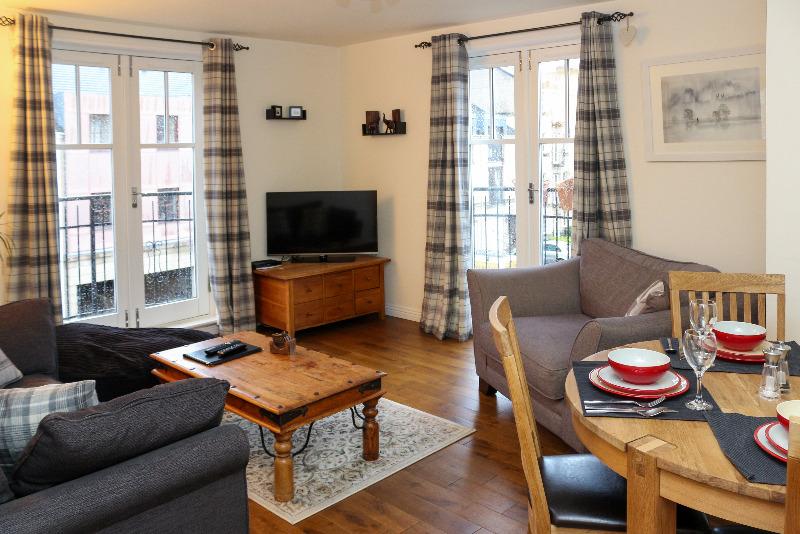 9 (9) Huntingdon Place East New Town and Hillside Edinburgh
