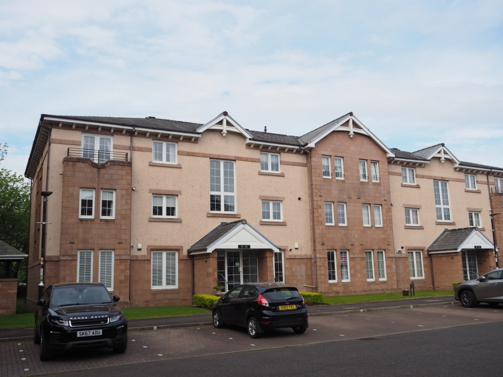 P73: Old Station Court, Bothwell, South Lanarkshire