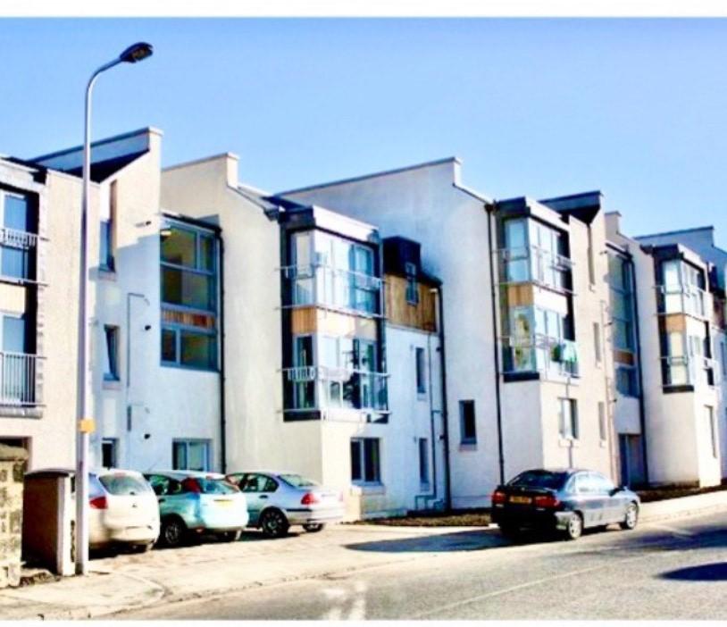 P240: Mid Street, Bathgate, West Lothian