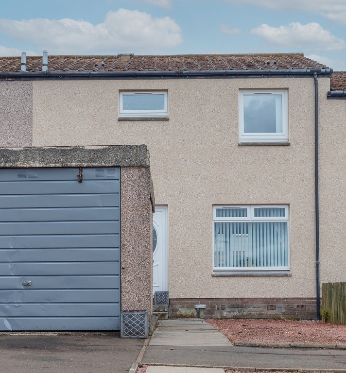 P268: Ambrose Rise, Livingston, West Lothian