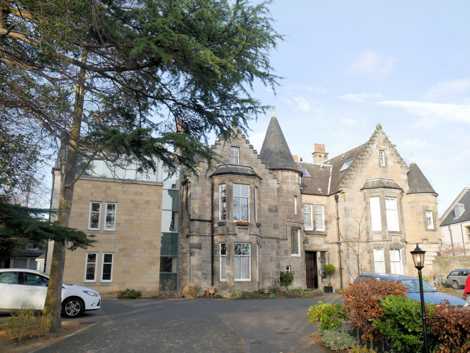 P393: St Johns Road, Corstorphine, Edinburgh