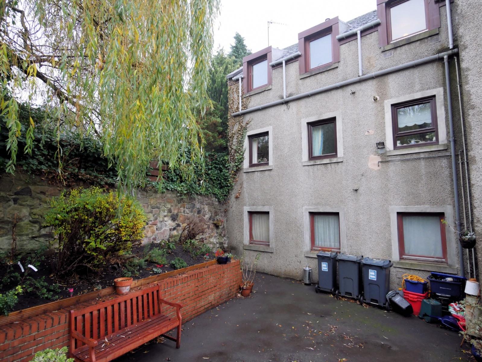 P462: Dunsapie Court, Duddingston Road West, Duddingston, Edinburgh